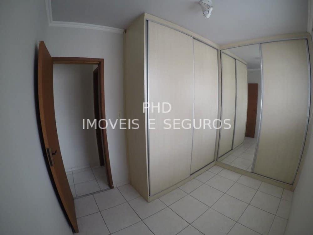12 - Imóvel de Código PHD705